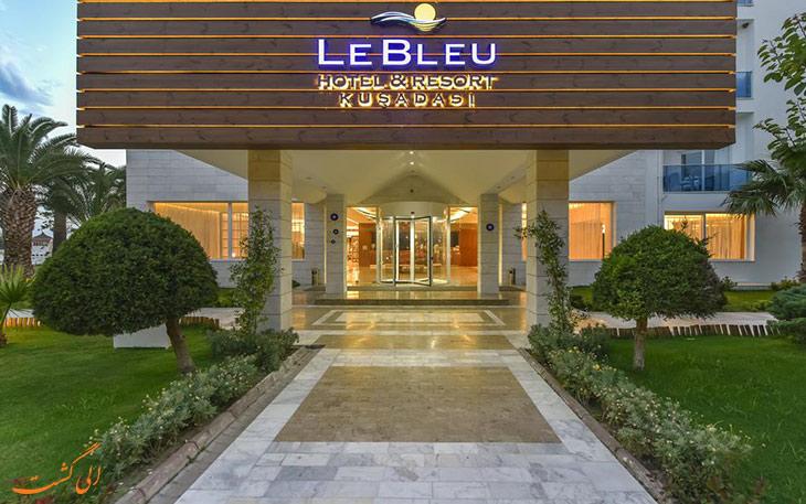 ورودی هتل لو بلو