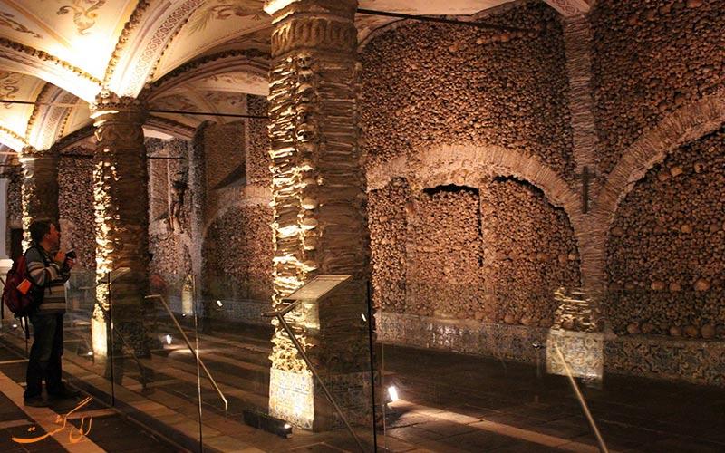 دیواره های کلیسای استخوان