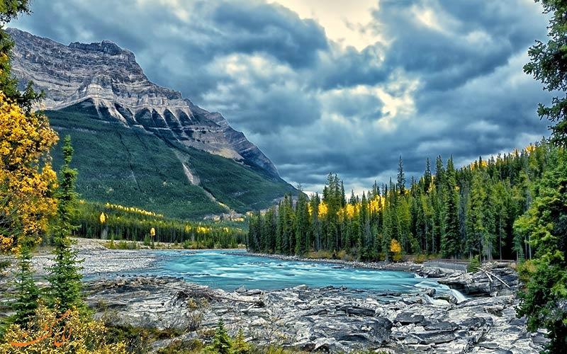 چشم اندازی رویایی از پارک ملی جاسپر در کانادا