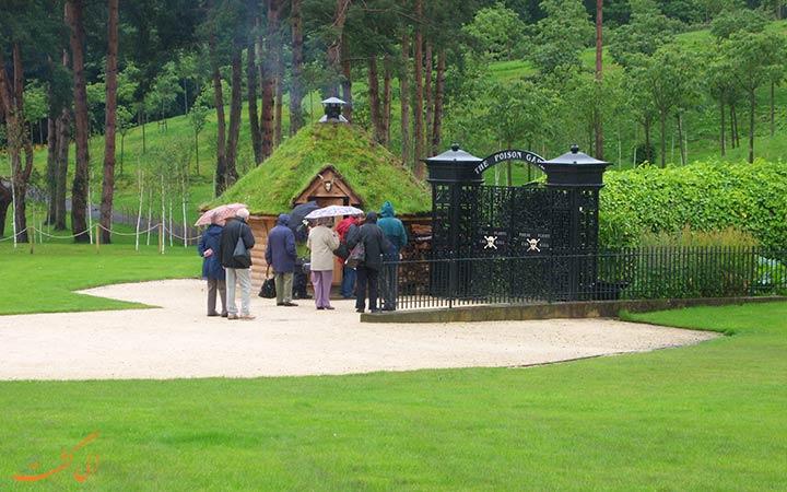 ورودی باغ آلنویک انگلیس