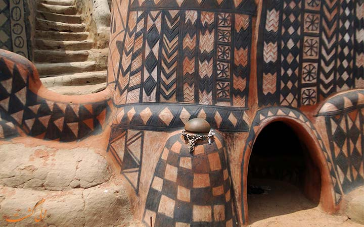 خانه ای با طرح های سنتی آفریقا