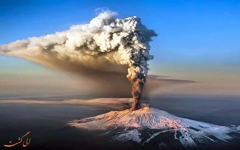 فوران کوه آتشفشانی