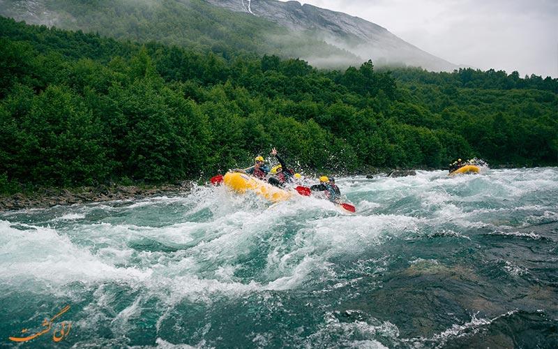 رفتینگ رودخانه خروشان در دنیا