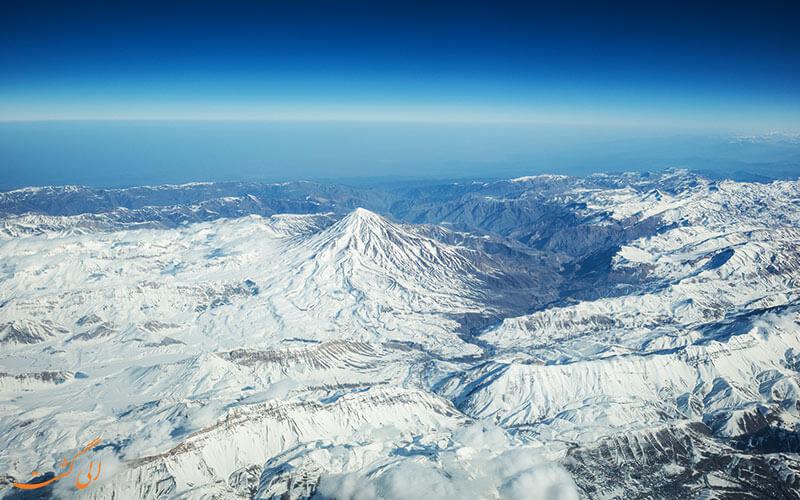 کوه دماوند از آسمان