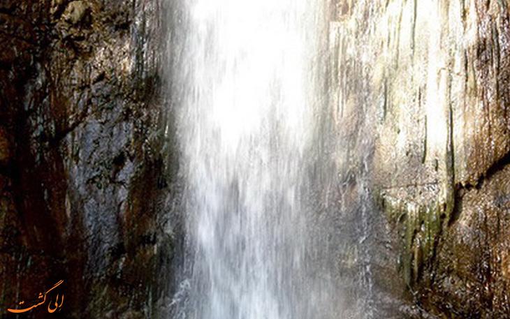 آبشار سرخ مشه در زنجان