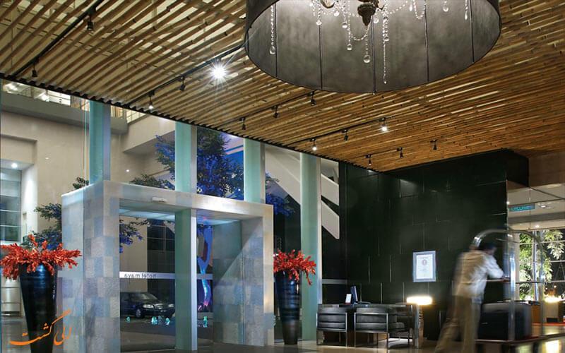لابی میانی هتل مایا