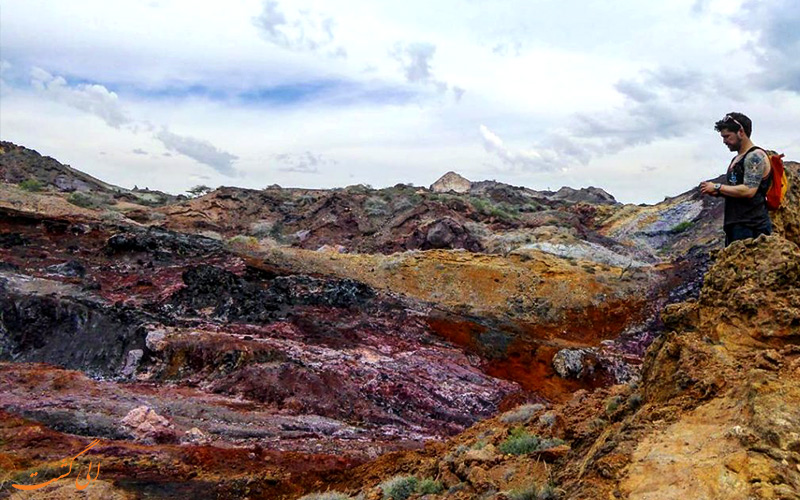 کوه های رنگی جزیره هرمز