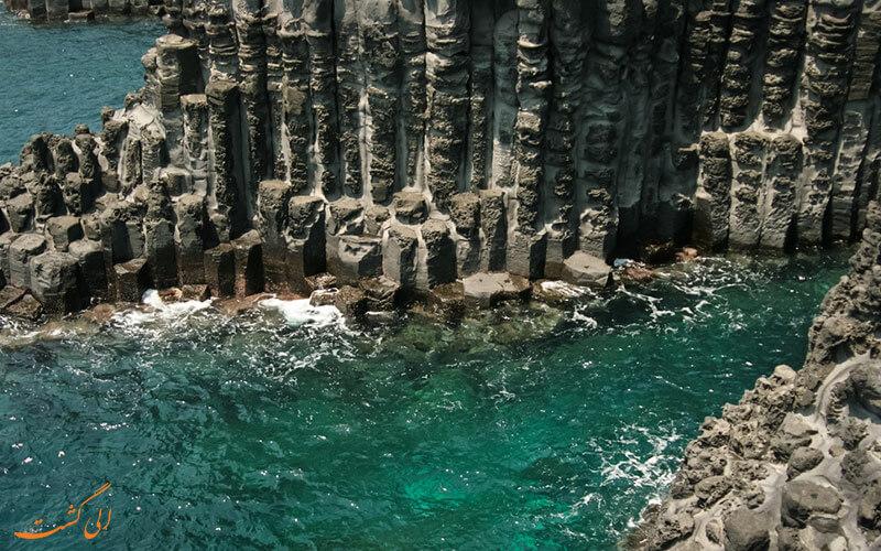 صخره های مجسمه ای در جزیره ججو