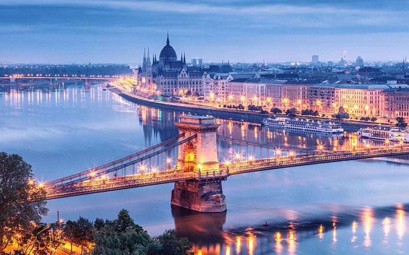 پل زنجیری در بوداپست