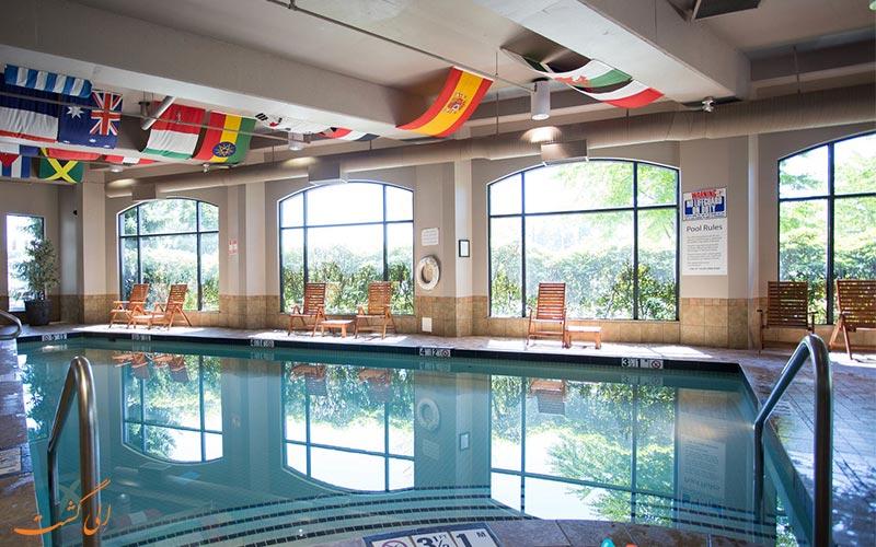 هتل هالیدی این نورث ونکوور | استخر