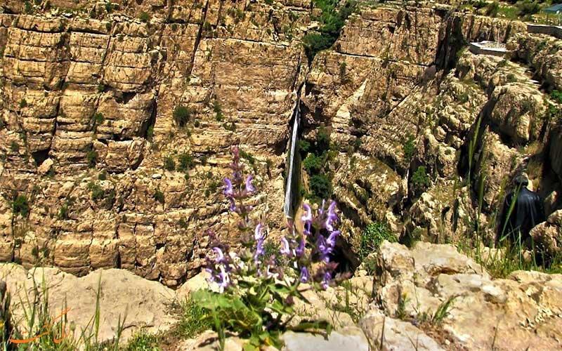 آبشار مرتفع پیران
