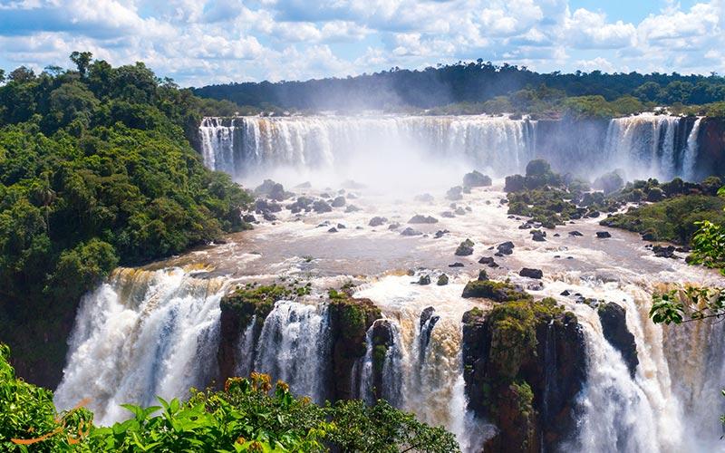 آبشاری در آرژانتین