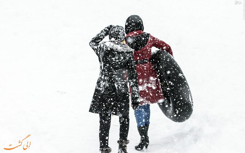 تیوپ سواری در برف