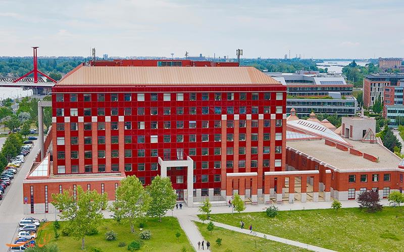 دانشگاه علوم پزشکی پچ