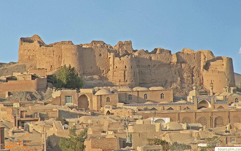 نمایی از نارین قلعه