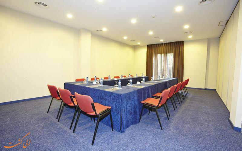 خدمات رفاهی هتل اچ سی سی ریجنت بارسلونا- اتاق جلسات