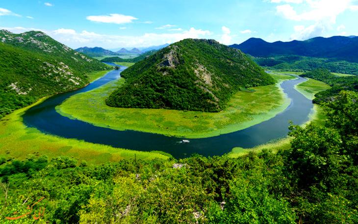 دریاچه زیبای اسکادار