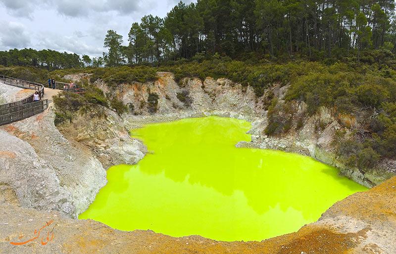 عکس دریاچه سمی نیوزیلند