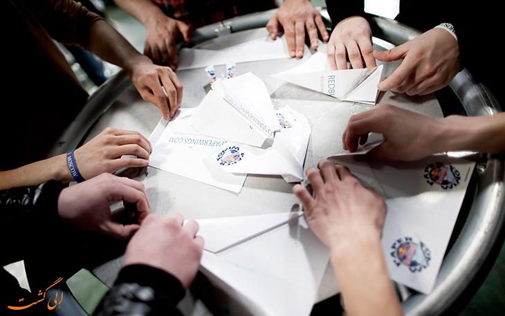 مسابقه موشک کاغذی رد بول
