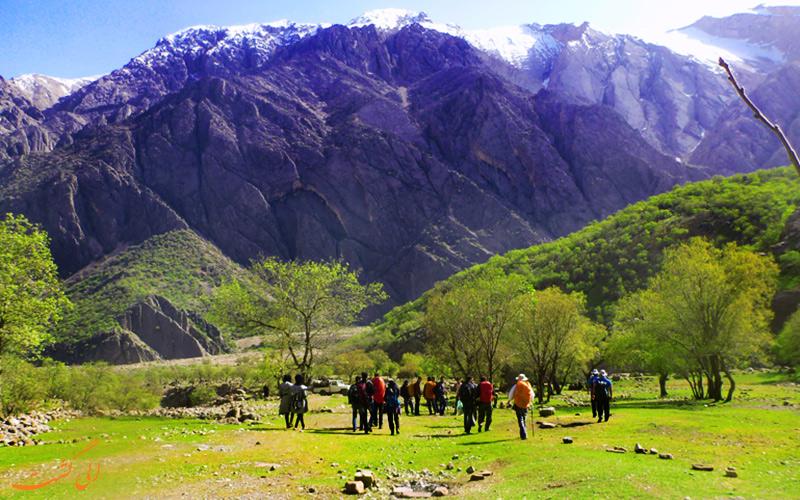 راه پیمایی و طبیعت گردی در دره عشق