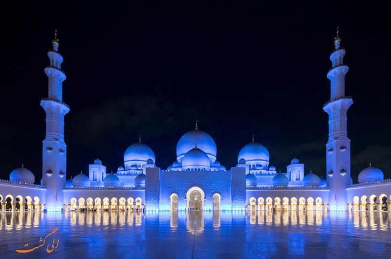 مسجد شیخ زاید ابوظبی در شب