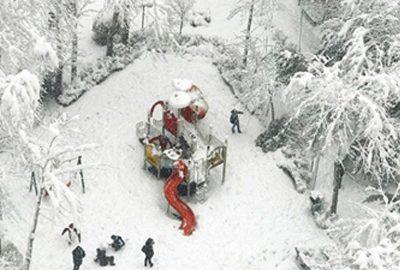 عکس بچه های ایرانی در حال برف بازی