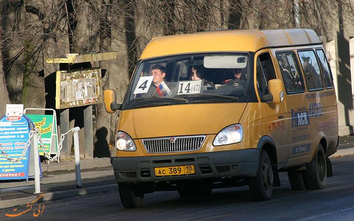 مینی بوس در حمل و نقل فرودگاه ایروان