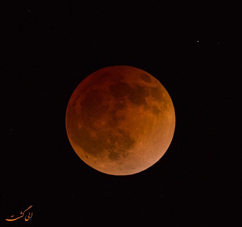 ماه قرمز رنگ در ژاپن