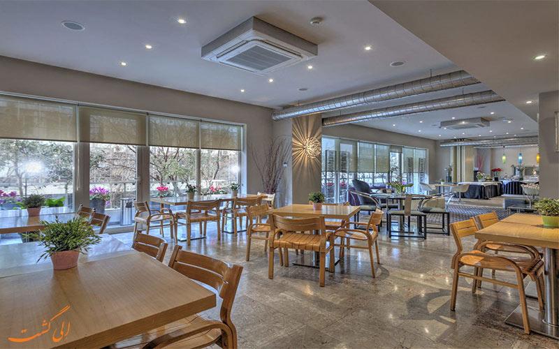 امکانات تفریحی هتل پلیس گرند آتن - رستوران
