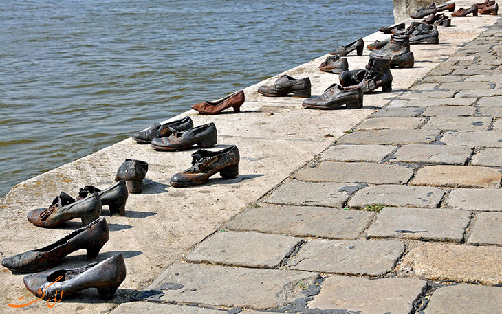 کفش های آهنی کرانه رود دانوب