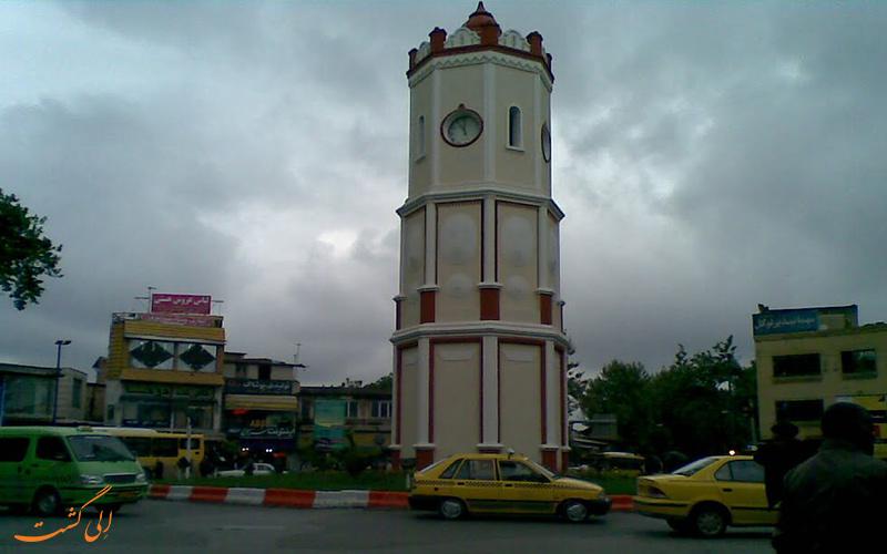 میدان ساعت از مشهورترین دیدنیهای ساری