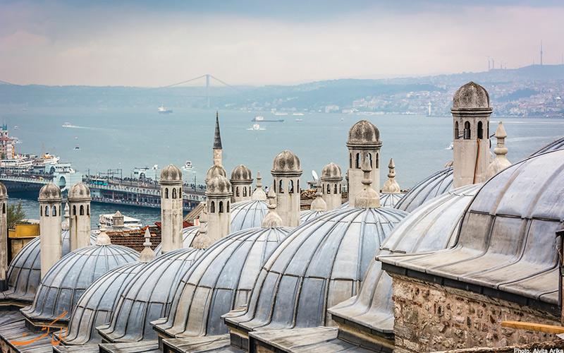 نمایی از بالای مسجد با گنبدهای مسجد سلیمانیه