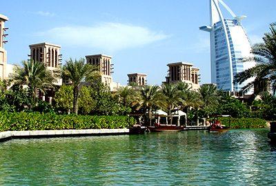 کپی از معماری بادگیرهای یزد در دبی