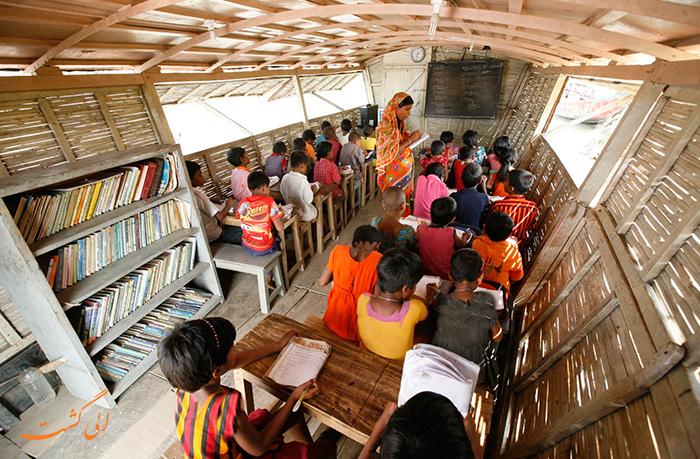 مدرسه قایقی بنگلادش