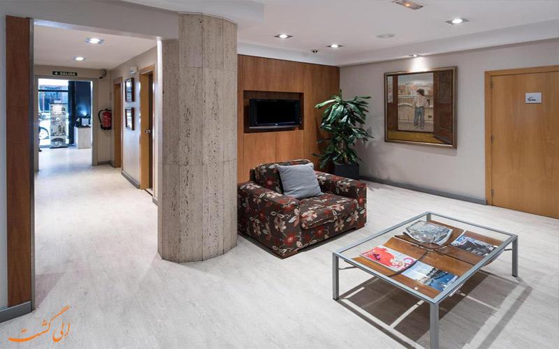 خدمات رفاهی هتل کاتالونیا کستلنو بارسلونا- لابی