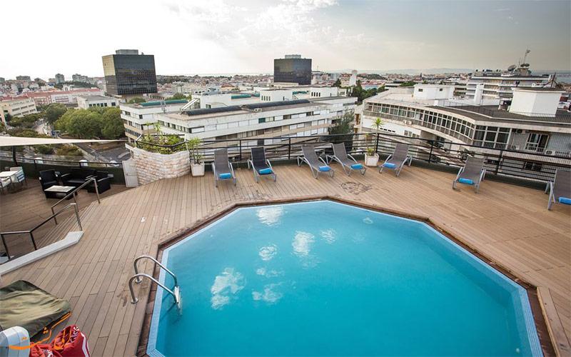 امکانات تفریحی هتل هالیدی این لیسبون- استخر