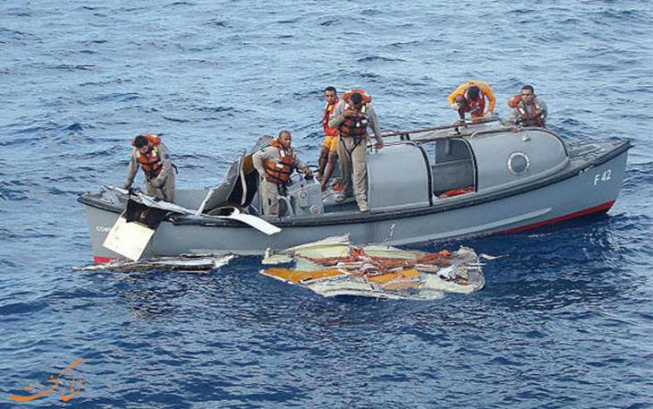 سقوط هواپیمای یمنی در اقیانوس