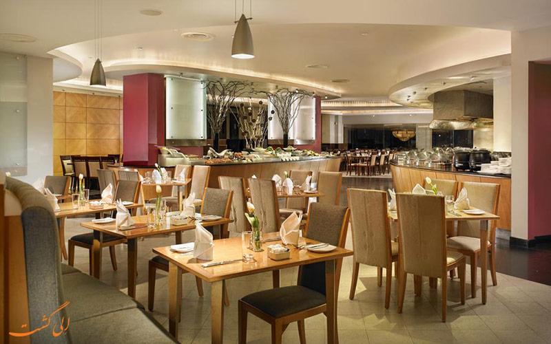 هتل فوراما ریور فرونت سنگاپور | رستوران