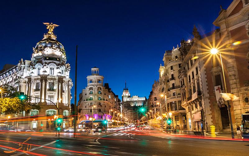 راهنمای مسافرتی به اسپانیا