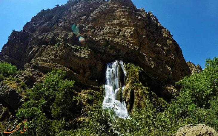 آب سفید عروس آبشارهای ایران