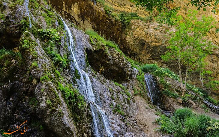 آبشار آب سفید الیگودرز در استان لرستان