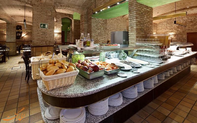 امکانات تفریحی هتل گارگالو ریالتو بارسلونا- رستوران هتل
