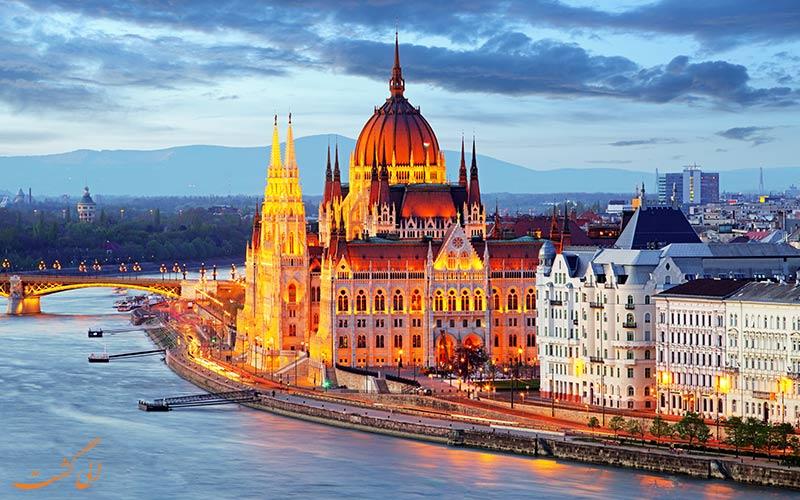 نمای جذاب ساختمان پارلمان