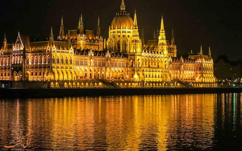 چشم انداز جذاب ساختمان پارلمان