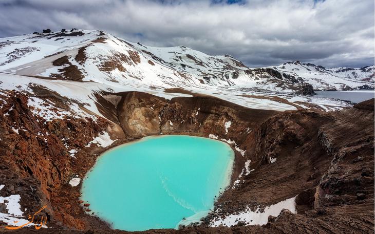 استخر آب گرم ایسلند