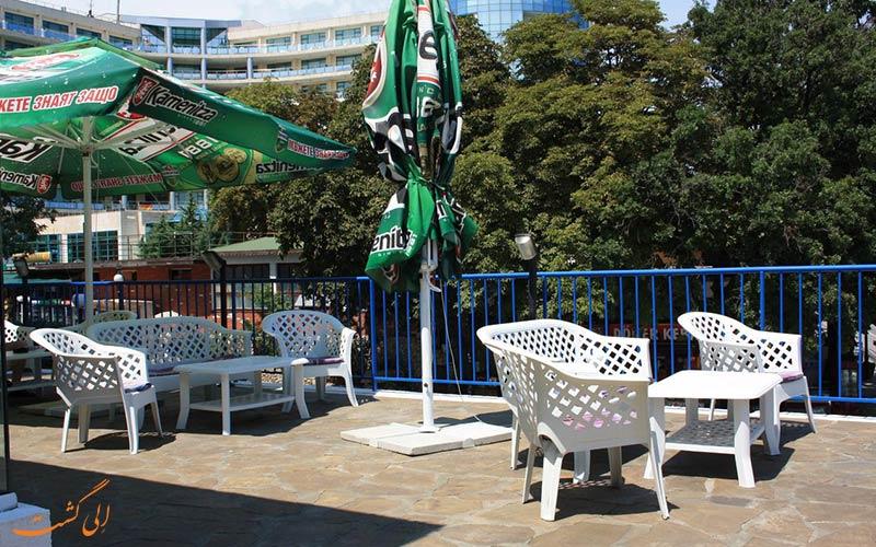 Bonita Hotel varna- eligasht.com تراس کنار استخر