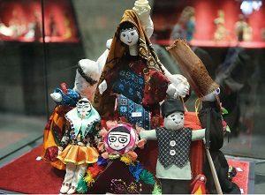 نمایشگاه عروسک در گذر زمان