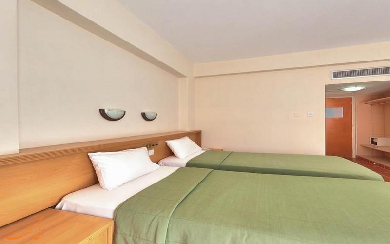هتل 3 ستاره فلامینگو بیچ لارناکا