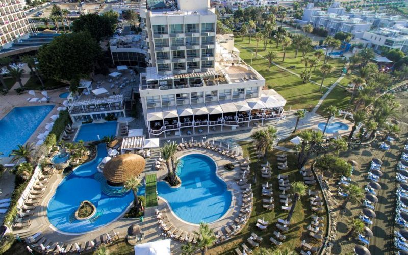 هتل گلدن بای لارناکا
