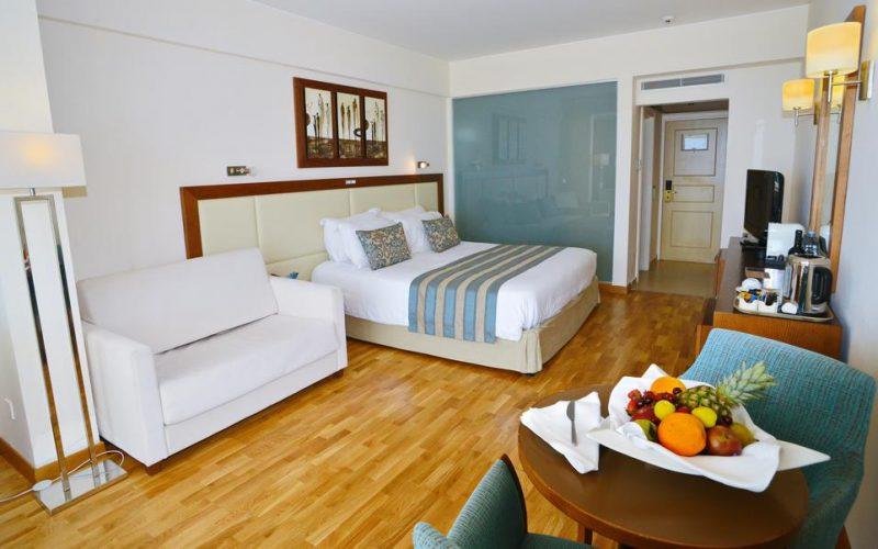 هتل 5 ستاره گلدن بای لارناکا